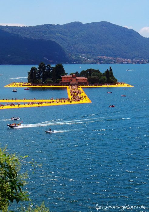 Isola di San Paolo e the floating piers.